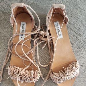 Steve madden lace up fringe sandals